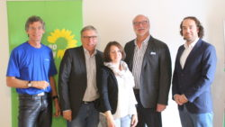 v.l.n.r. Peter Koswig, Jürgen Frömmrich, Caroline Tönges, Joachin Kuhn ( Kurhessenbahn) und Daniel May